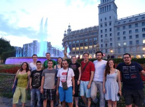 Group picture in front of the fountains at the Plaça de Catalunya
